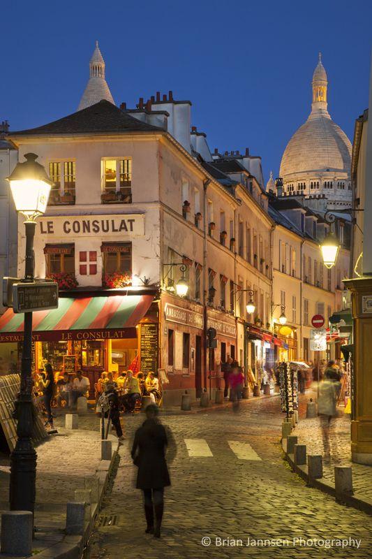Montmartre, Paris France. &copy Brian Jannsen Photography