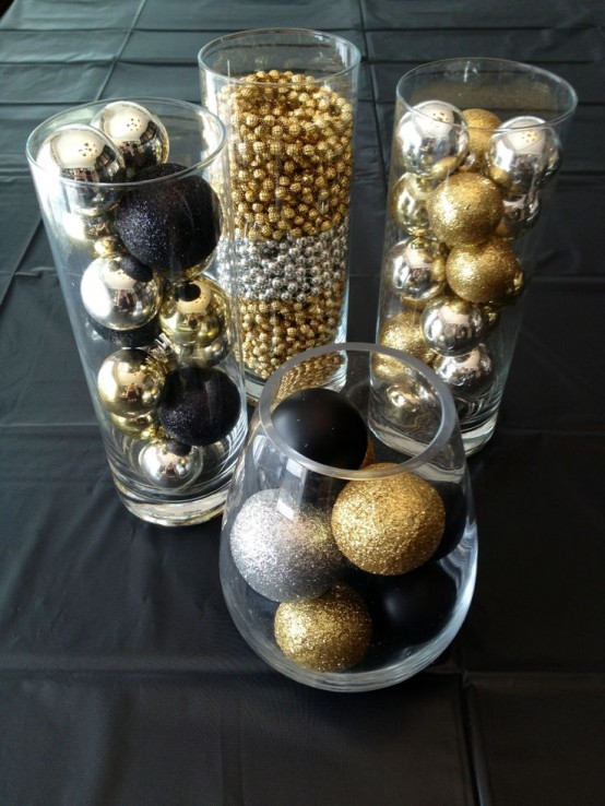 Glittering-Black-And-Gold-Christmas-Decor-ideas-1