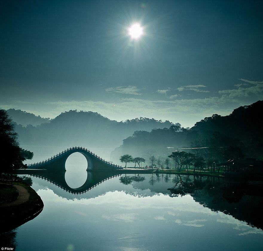 Moon Bridge – Taipei, Taiwan