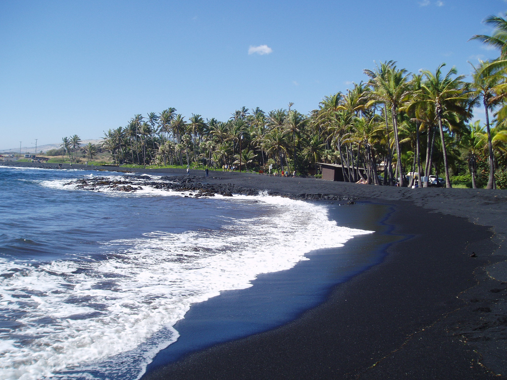 Punaluu-Black-Sand-Beach-Hawaii-3