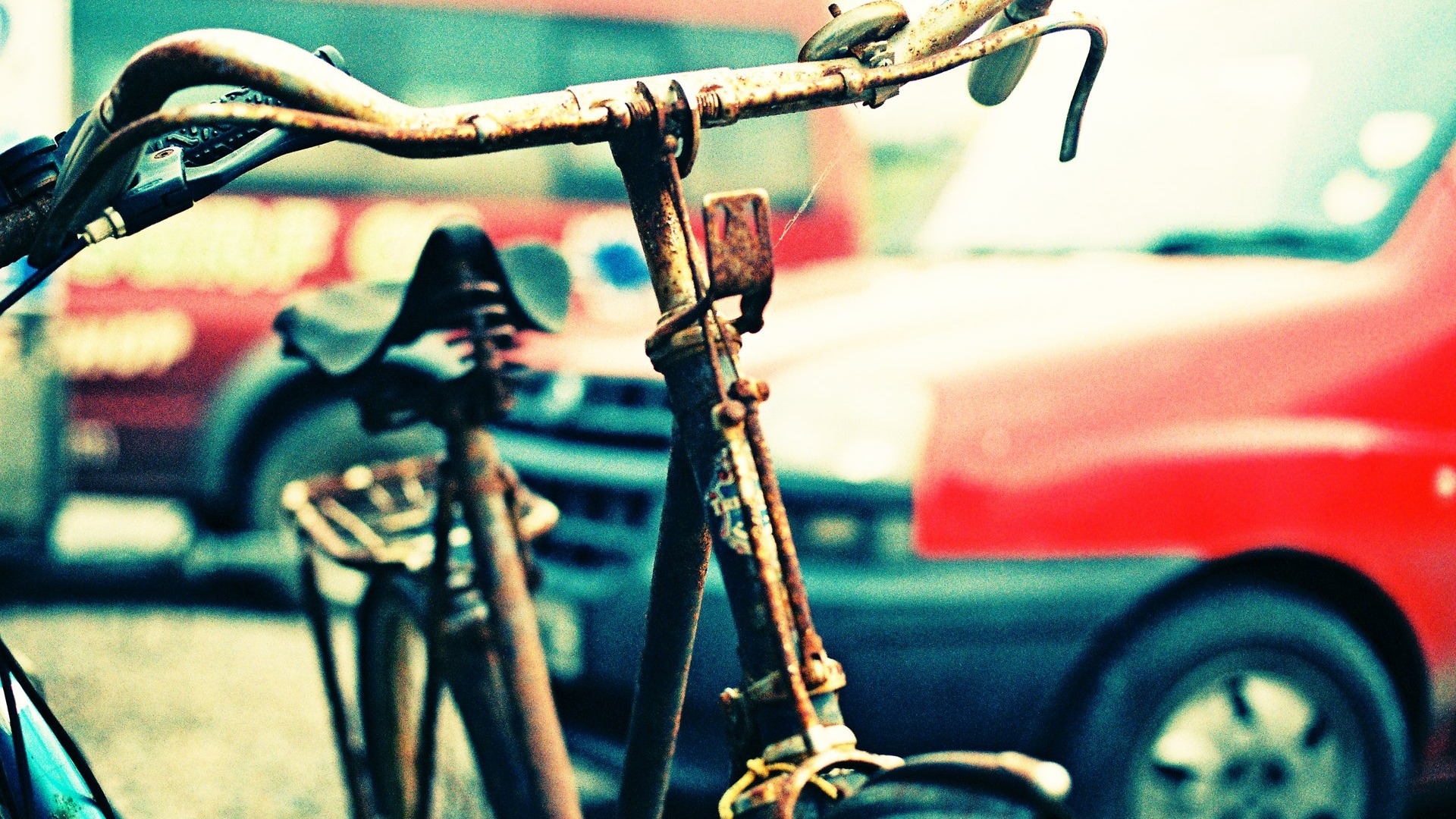 7034640-old-bicycle