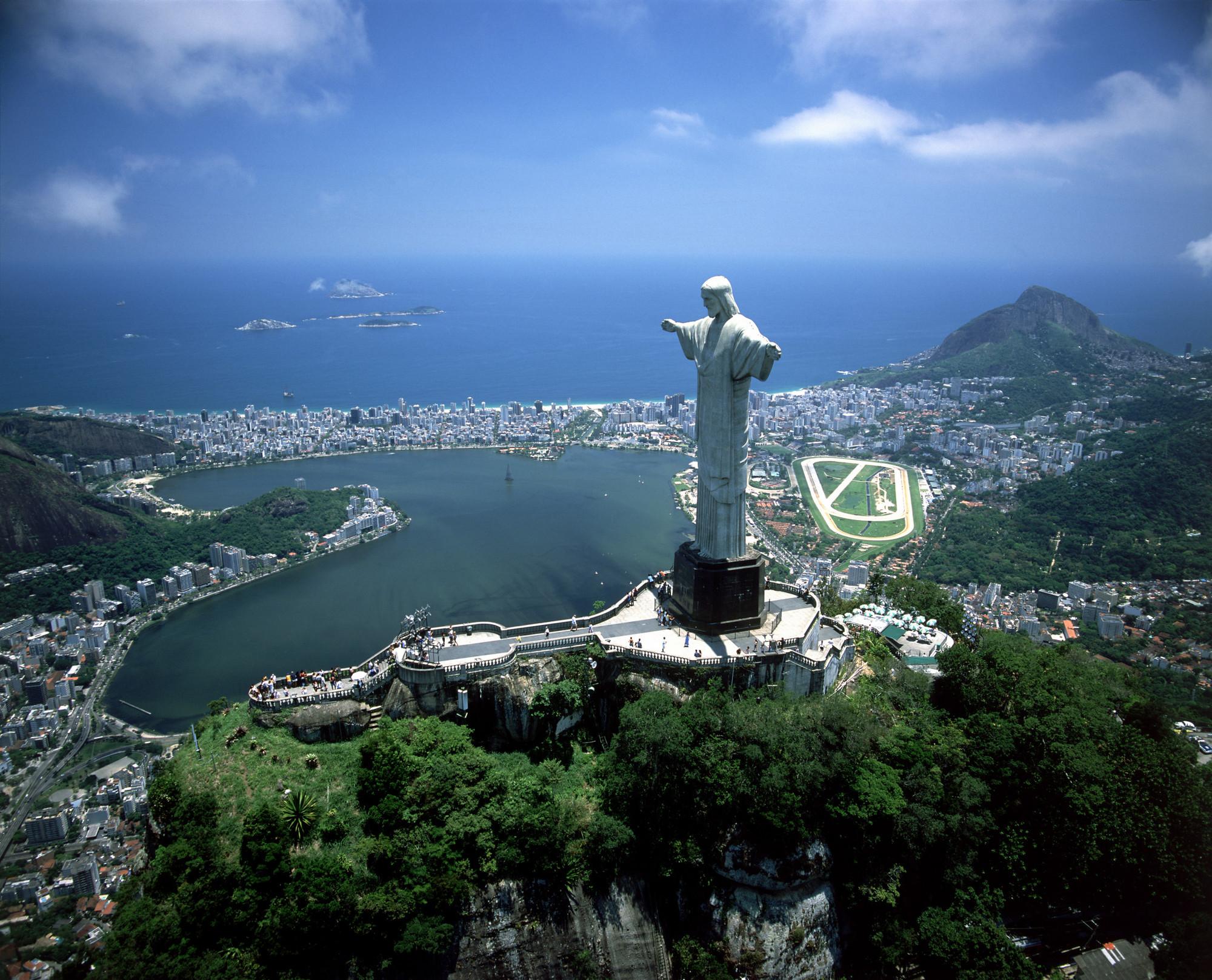 Christ Redeemer: Rio de Janeiro, Brazil