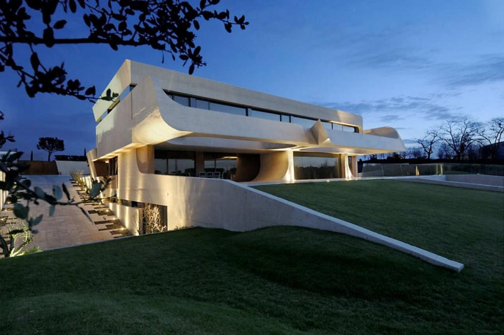 Unique-Three-Level-House-architecture-design