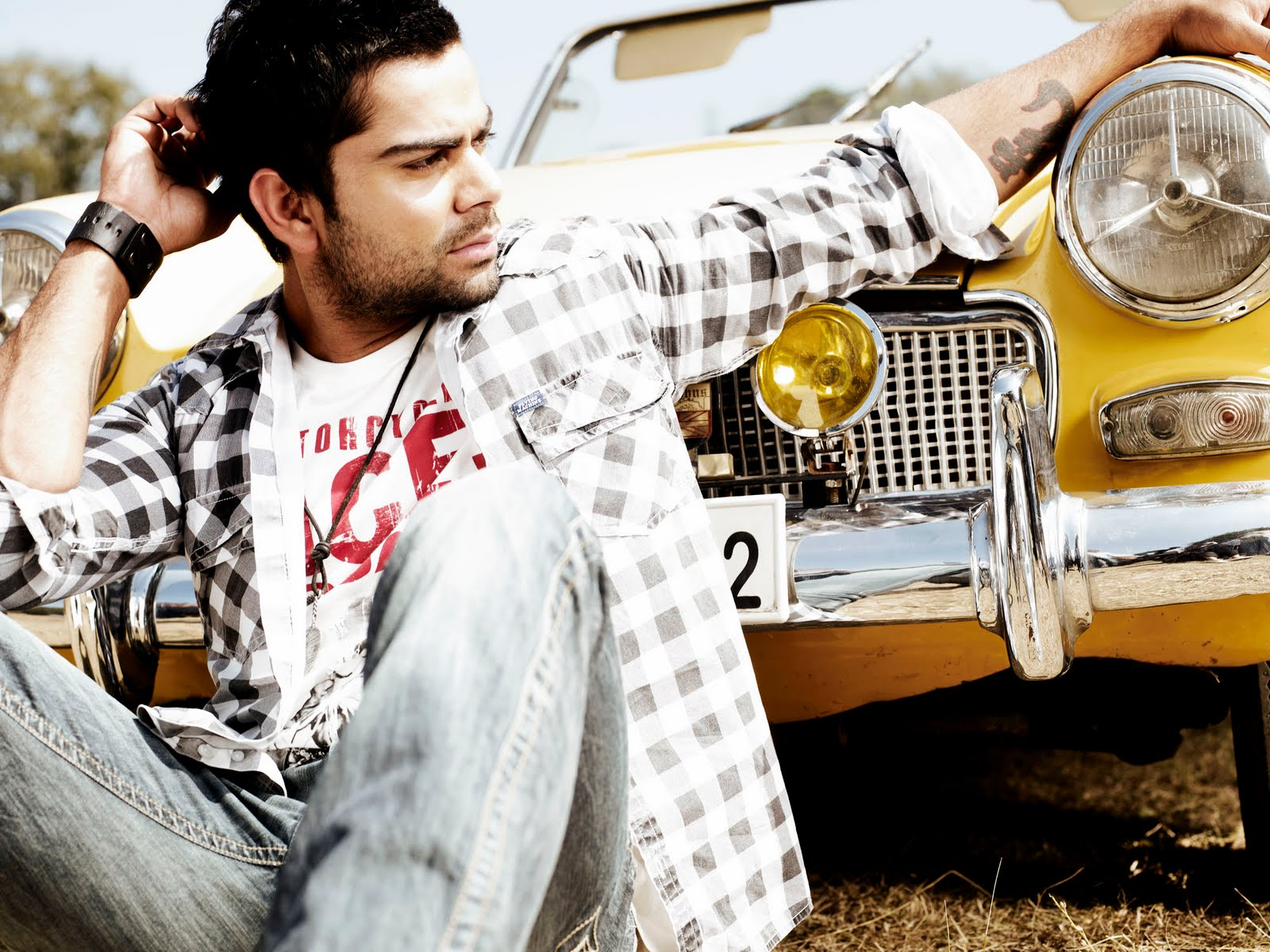 Virat-Kohli-stylish-wallpaper