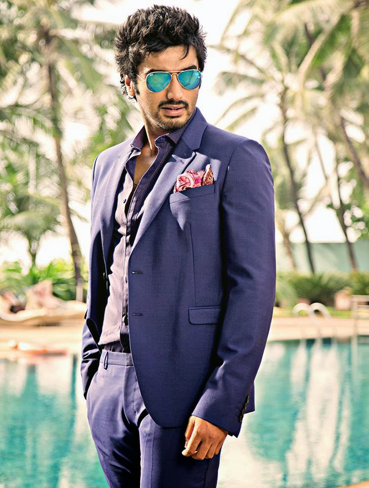 arjun-kapoor-photos-from-swimming-pool-8529