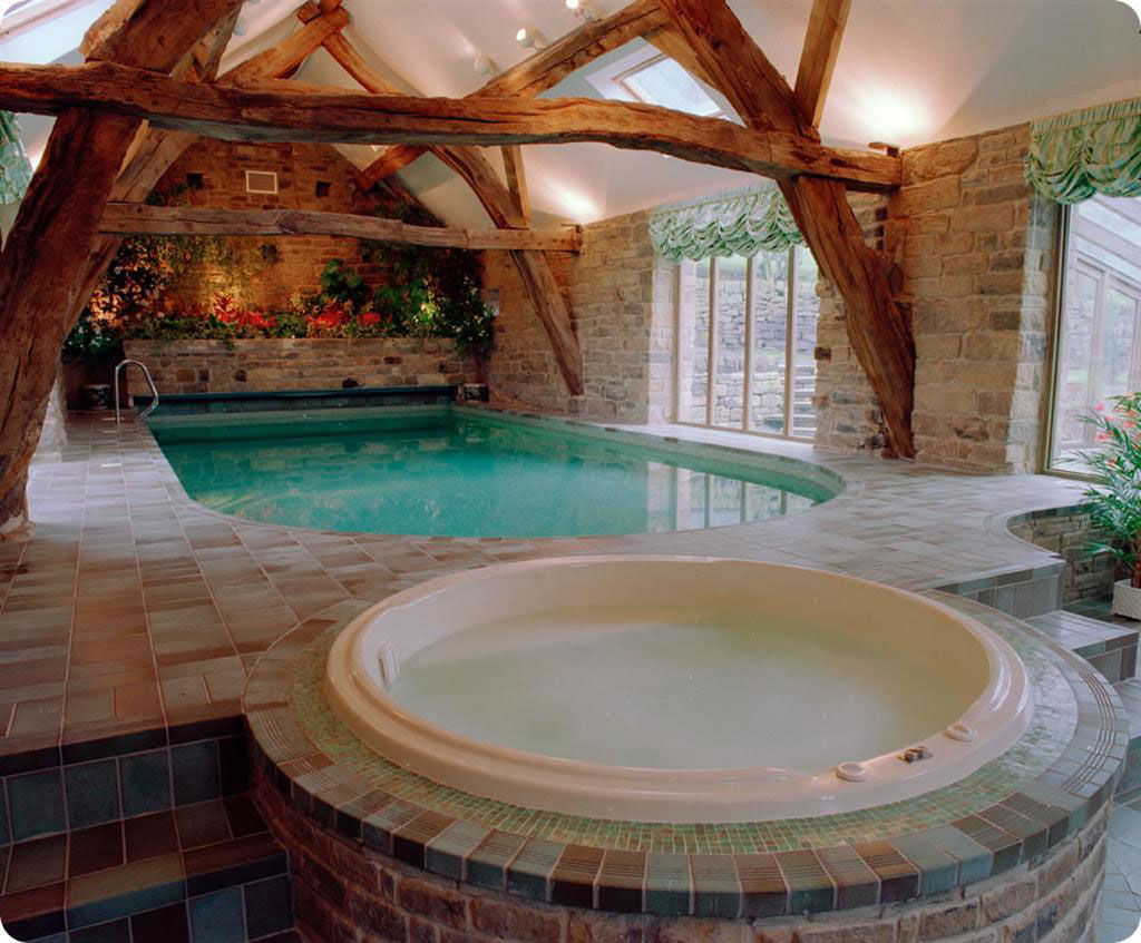 Indoor swimming pool ideas for your home for Indoor swimming pool ideas
