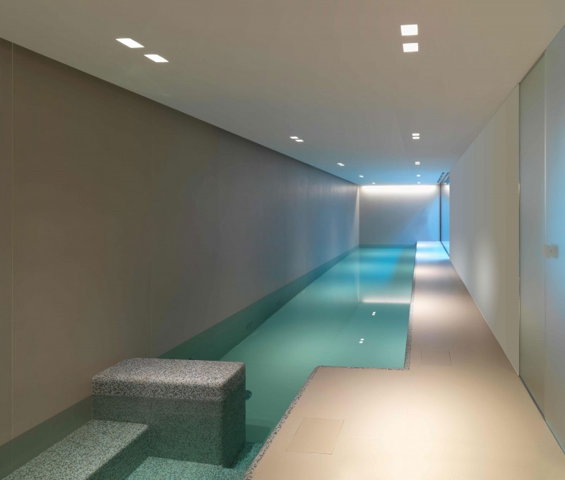 Indoor swimming pool ideas for your home the wow style for Design interni case moderne