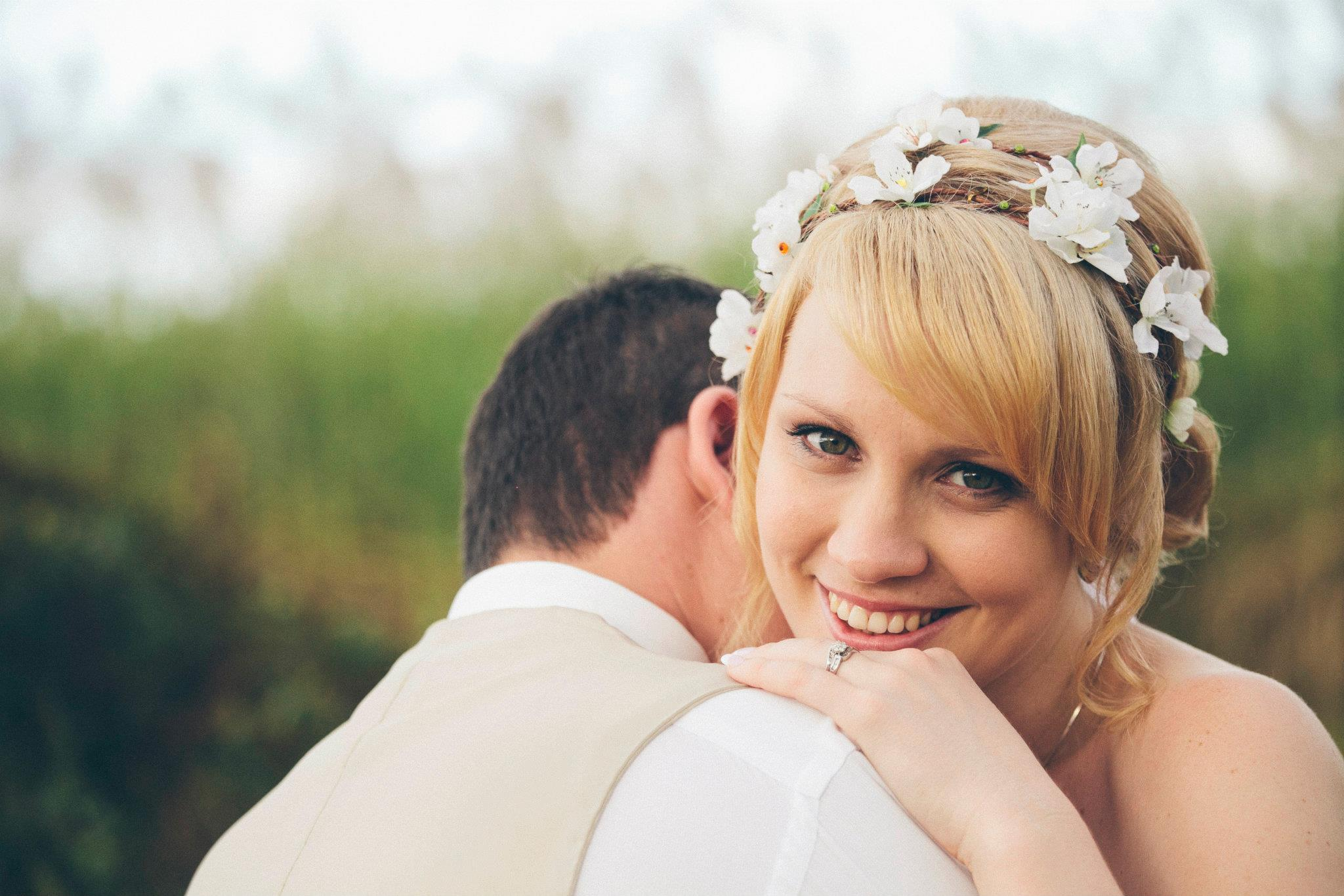 gorgeous-wedding-photo-of-the-bride-and-groom-cairns-bridal-makeup-and-wedding-hair