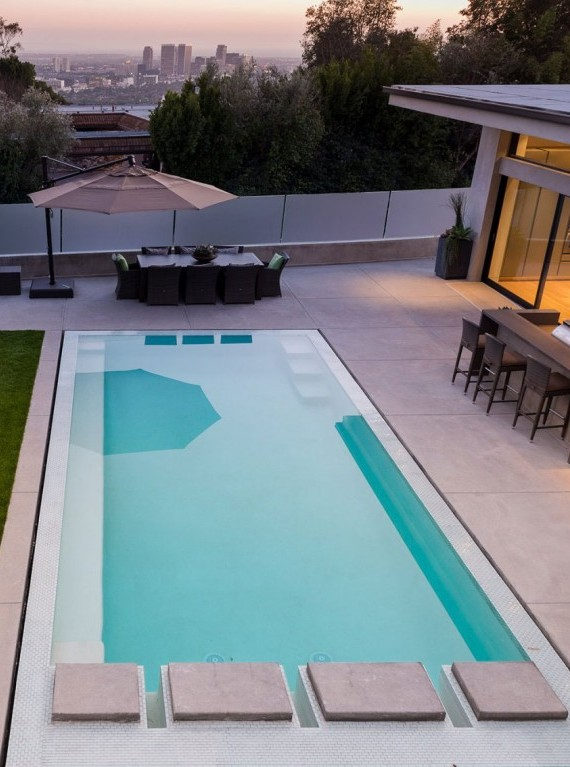 outdoor-terrace-and-pool
