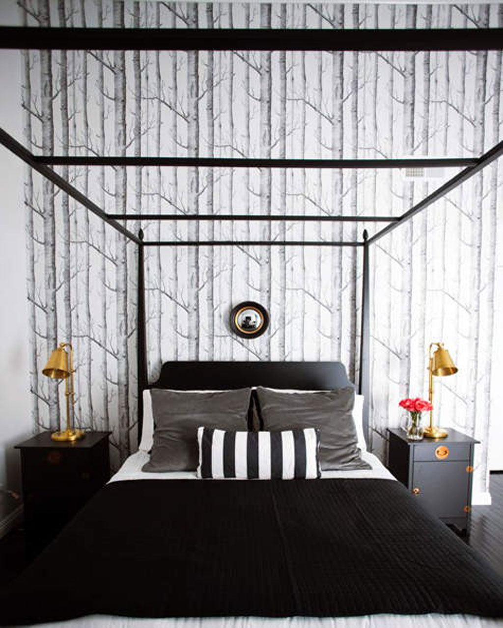 superb-white-bedroom-interior-design-