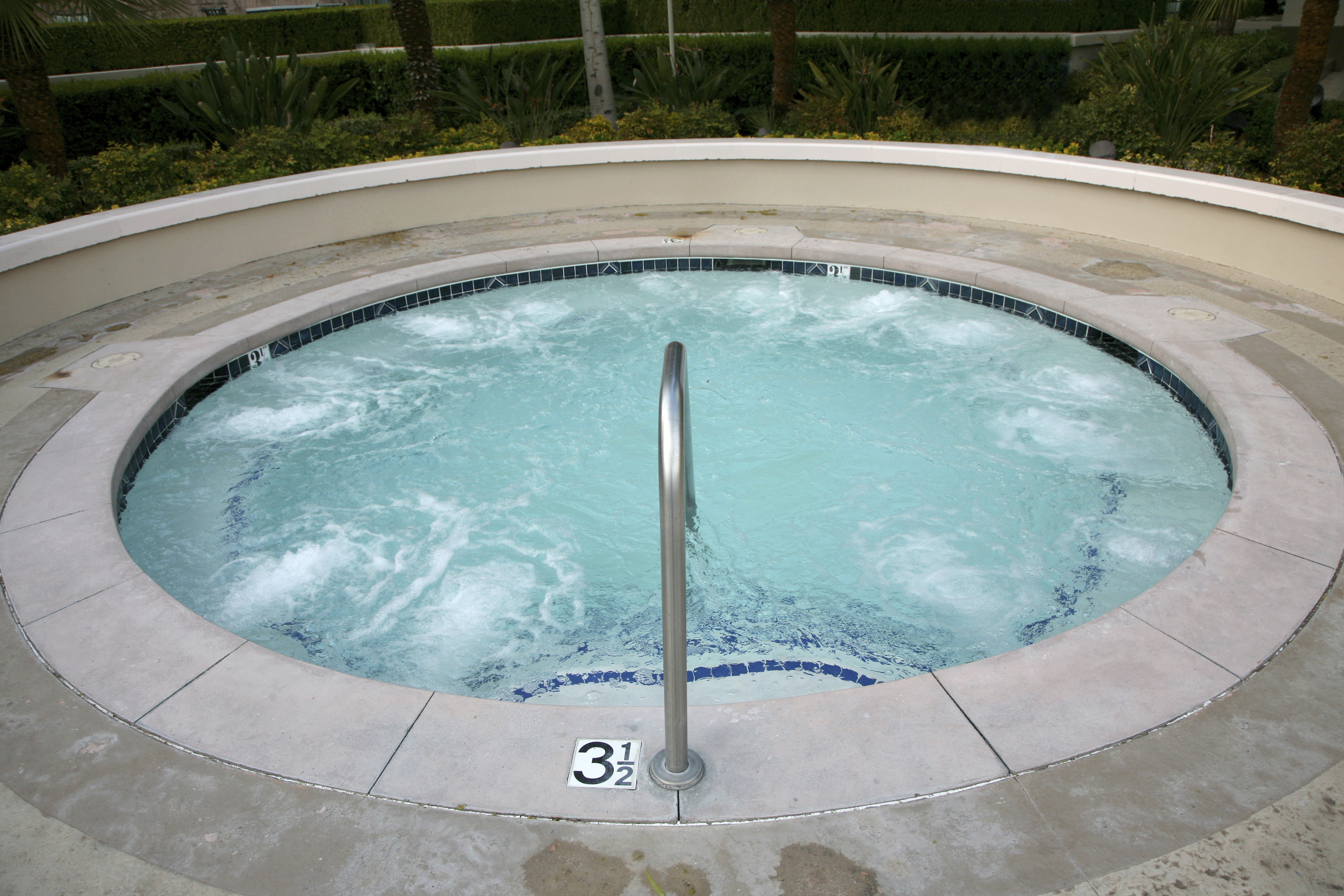 Bathroom-Terrific-Round-Hot-Jacuzzi-Pool-With-Pretty-Garden-View-Bathrooms-With-Jacuzzi-Design-Ideas