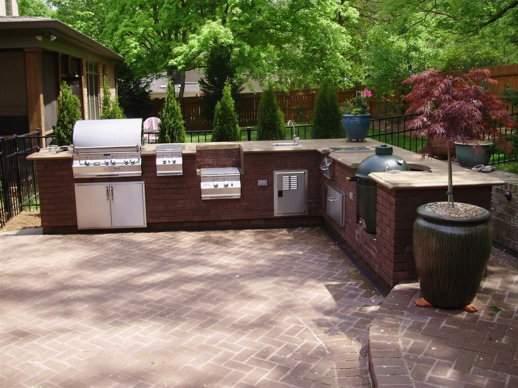 Outdoor-Kitchen-Cabinet-Design-Gallery-With-Garden-View