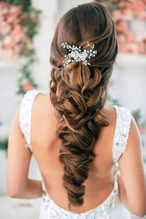 Special-Christmas-Hairs-Designs-for-Girls-Women-2013-9