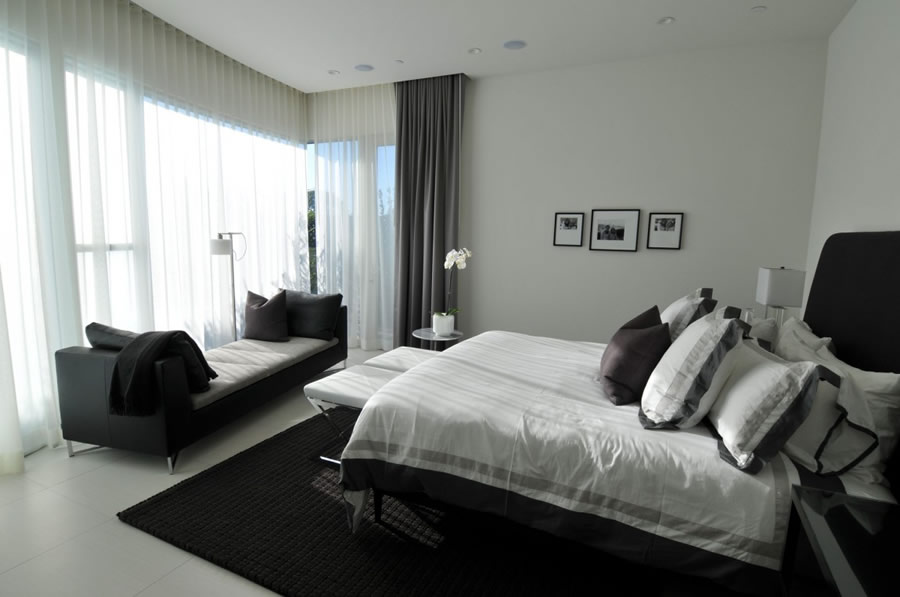 cool-inspiration-for-luxury-bedroom-design-ideas-white-contemporary-bedrooms