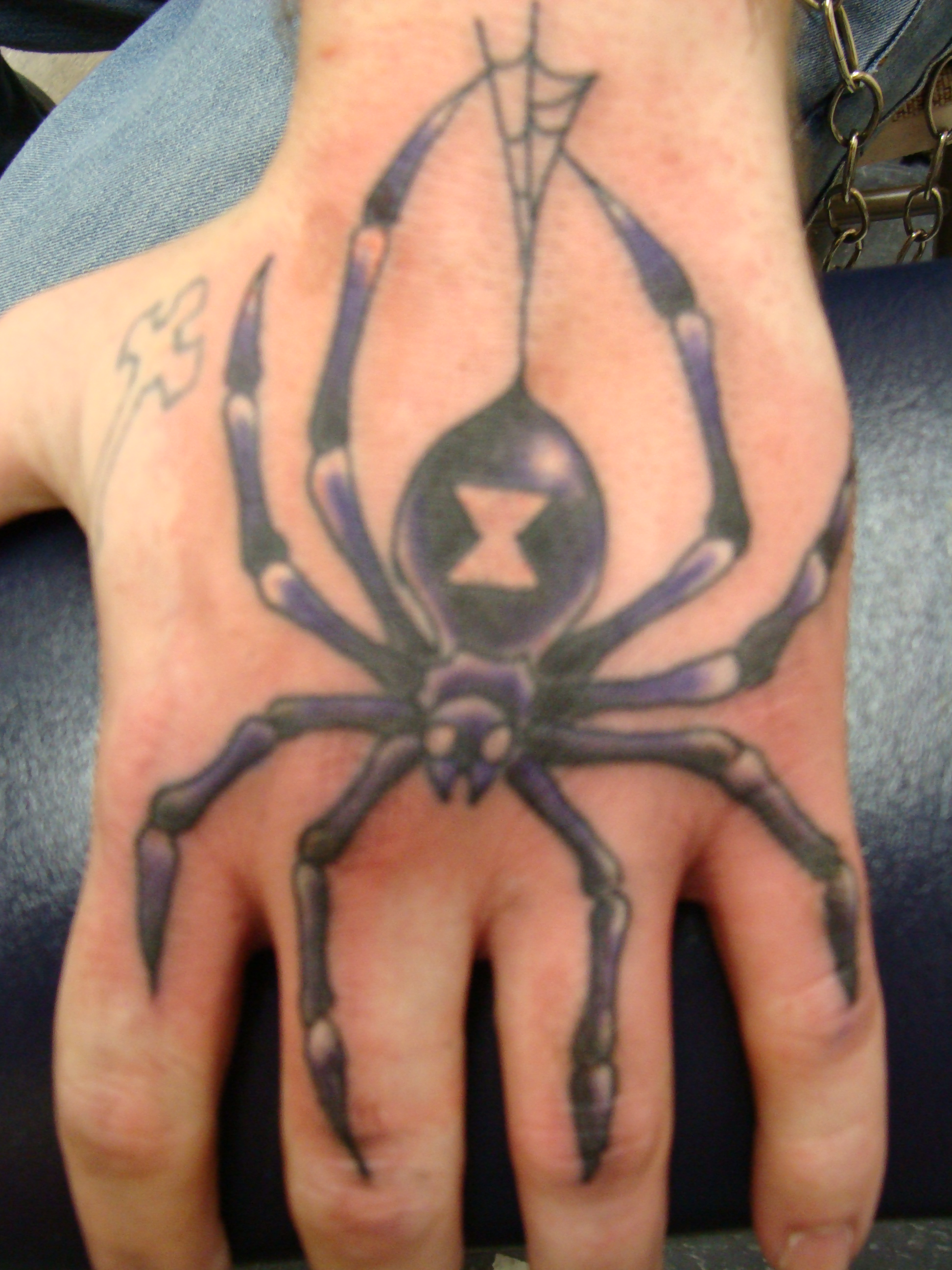hand-tattoo-designs-for-men-4
