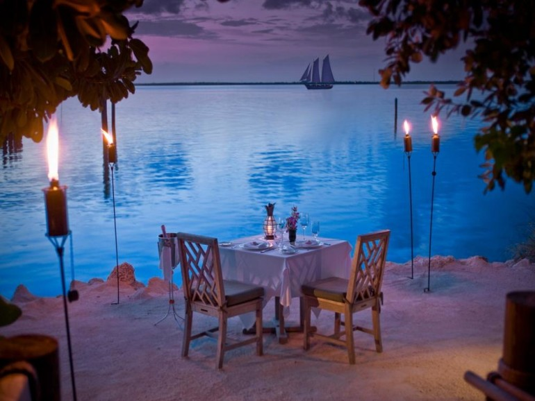 romantic-places-for-couples-as-dining-area-770x578