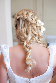 01-destination-wedding-hair