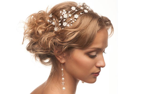 Wedding-Hairstyles-with-a-Headband