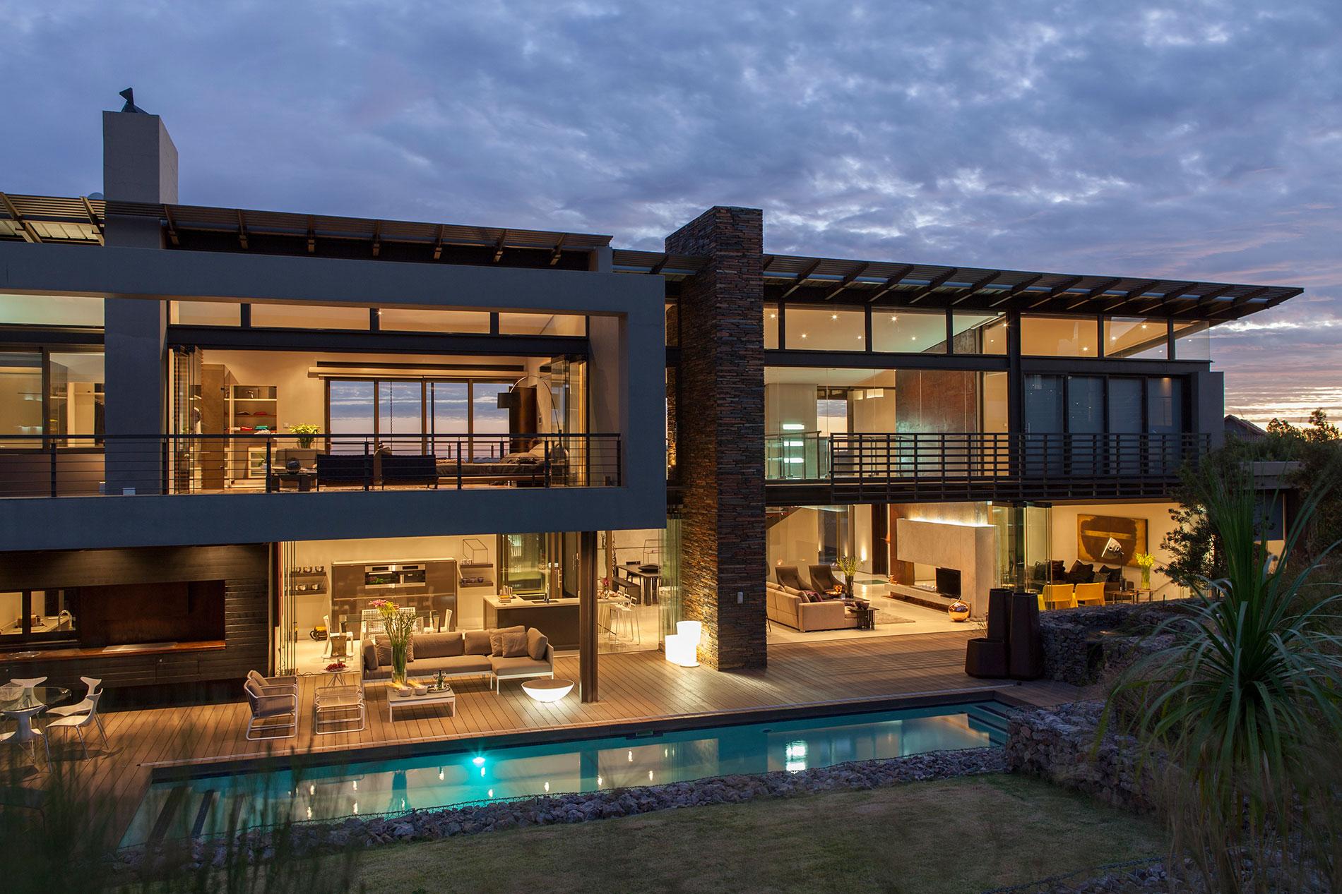 4open-floor-plan-big-modern-house-design