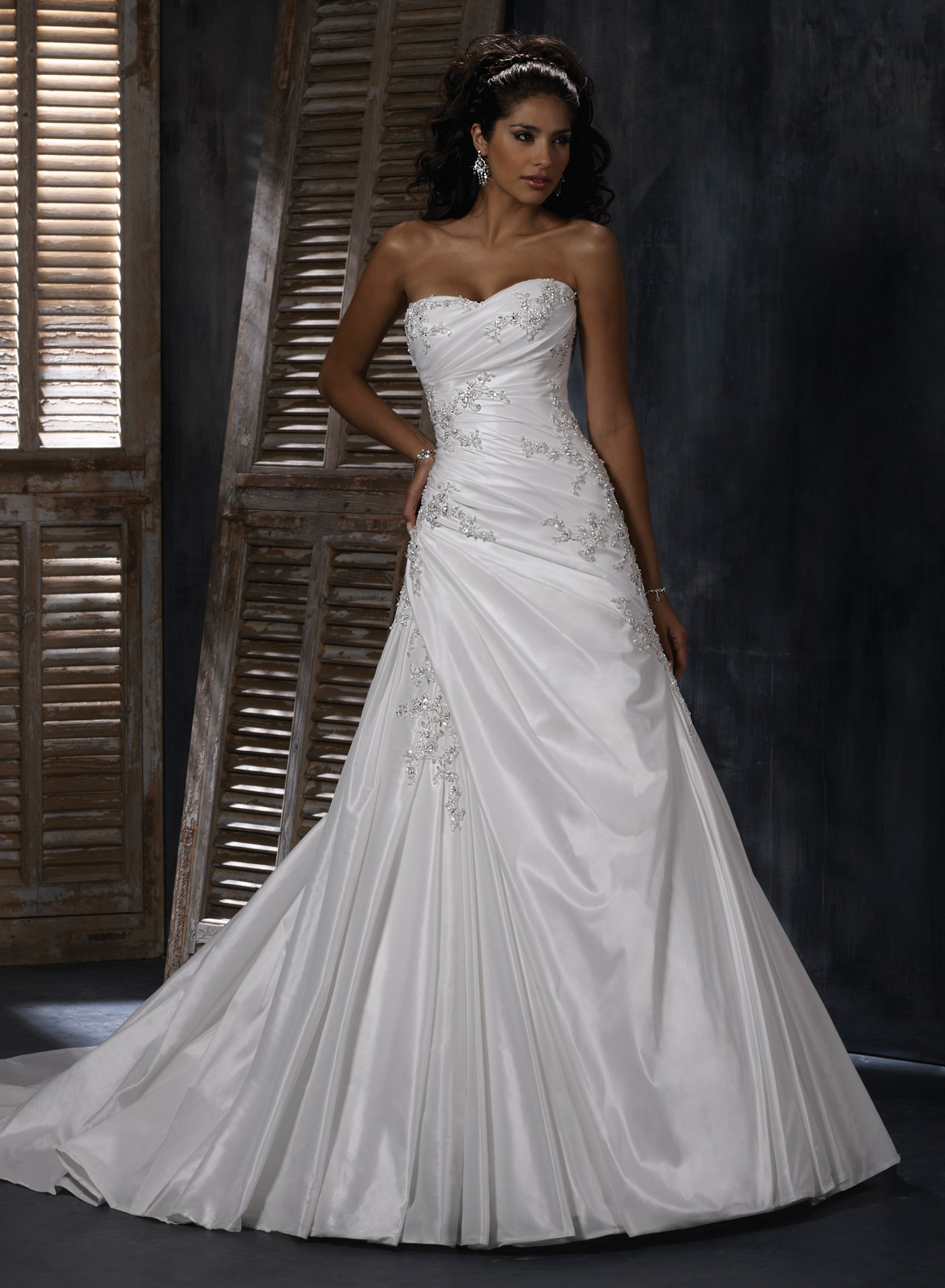 bordeaux-taffeta-soft-sweetheart-neckline-a-line-wedding-dress