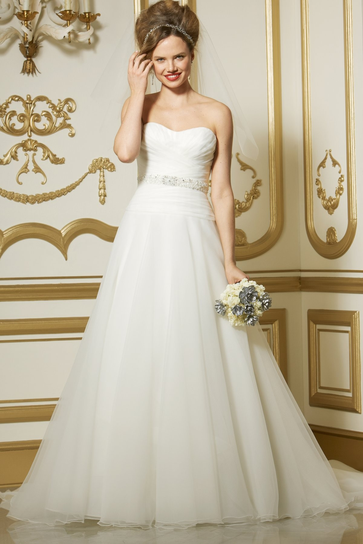 classic-timeless-sweetheart-chapel-train-organza-a-line-wedding-dress-