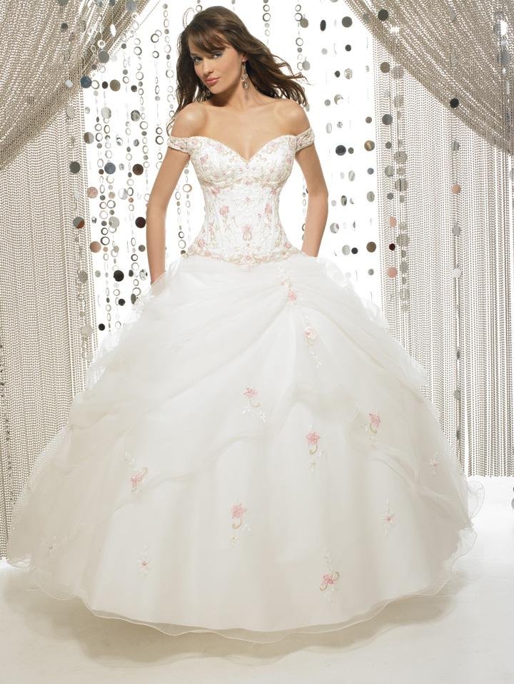 huge-ball-gown-wedding-dress