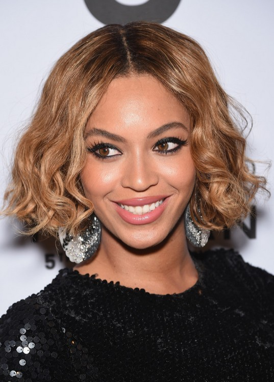 Beyonce-Knowles-African-American-Curled-Out-Bob