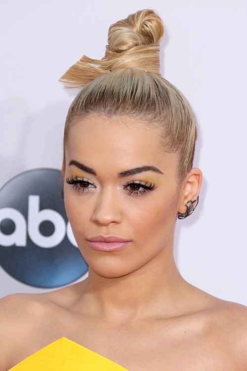 Stunning And Charming Celebrity Bun Hairstyles The Wow Style