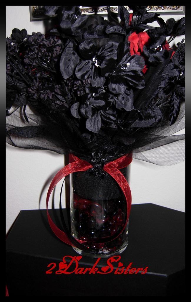 Gothic-Halloween-Wedding-Decorations