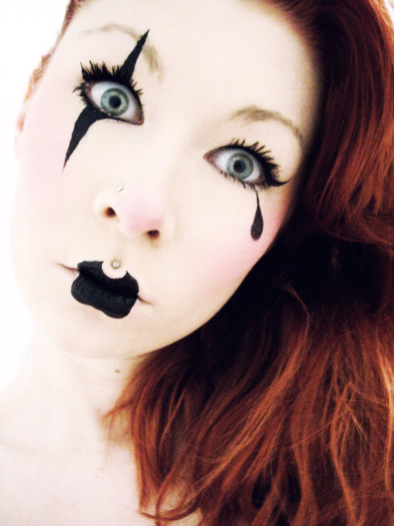 scary clown halloween makeup for women