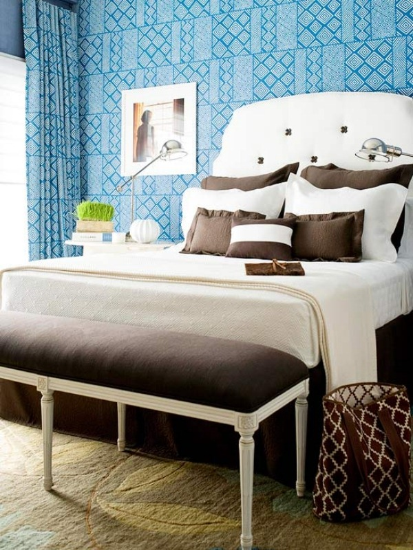 Blue-and-Brown-Bedroom-Wall-Decorating-Ideas
