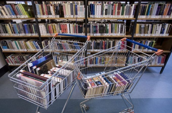 Pack a Cart With Books: We'll Tell You What Type of School to Attend