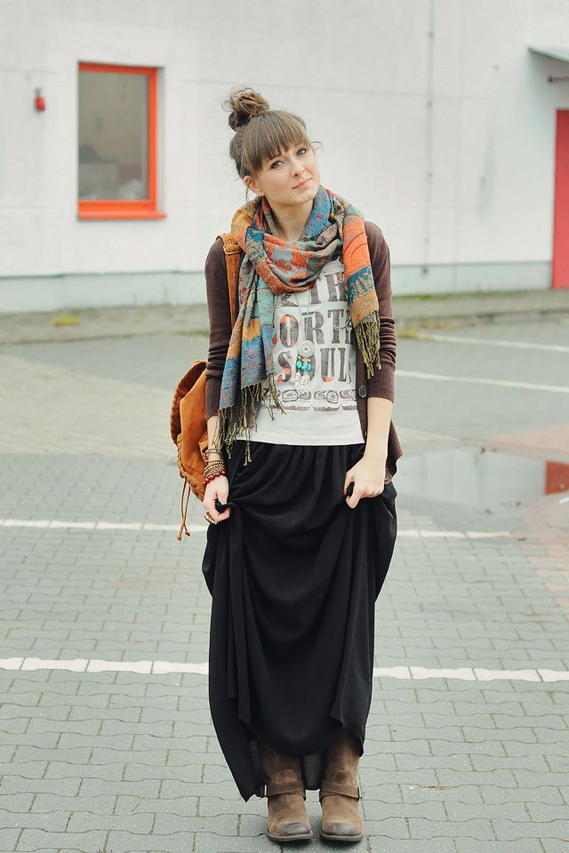 Casual comfort. Maxi skirt with T-shirt and cardigan with a killer scarf, necklace and boots.