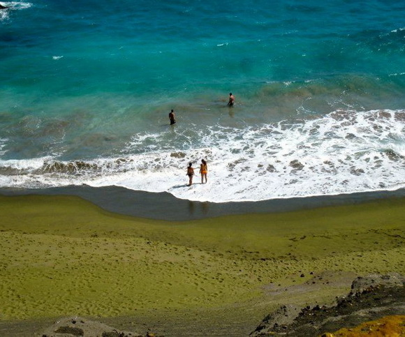 Papakolea-Beach-Hawaii-USA