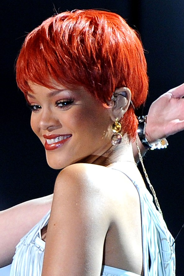bright orange hue for her super-short show wig