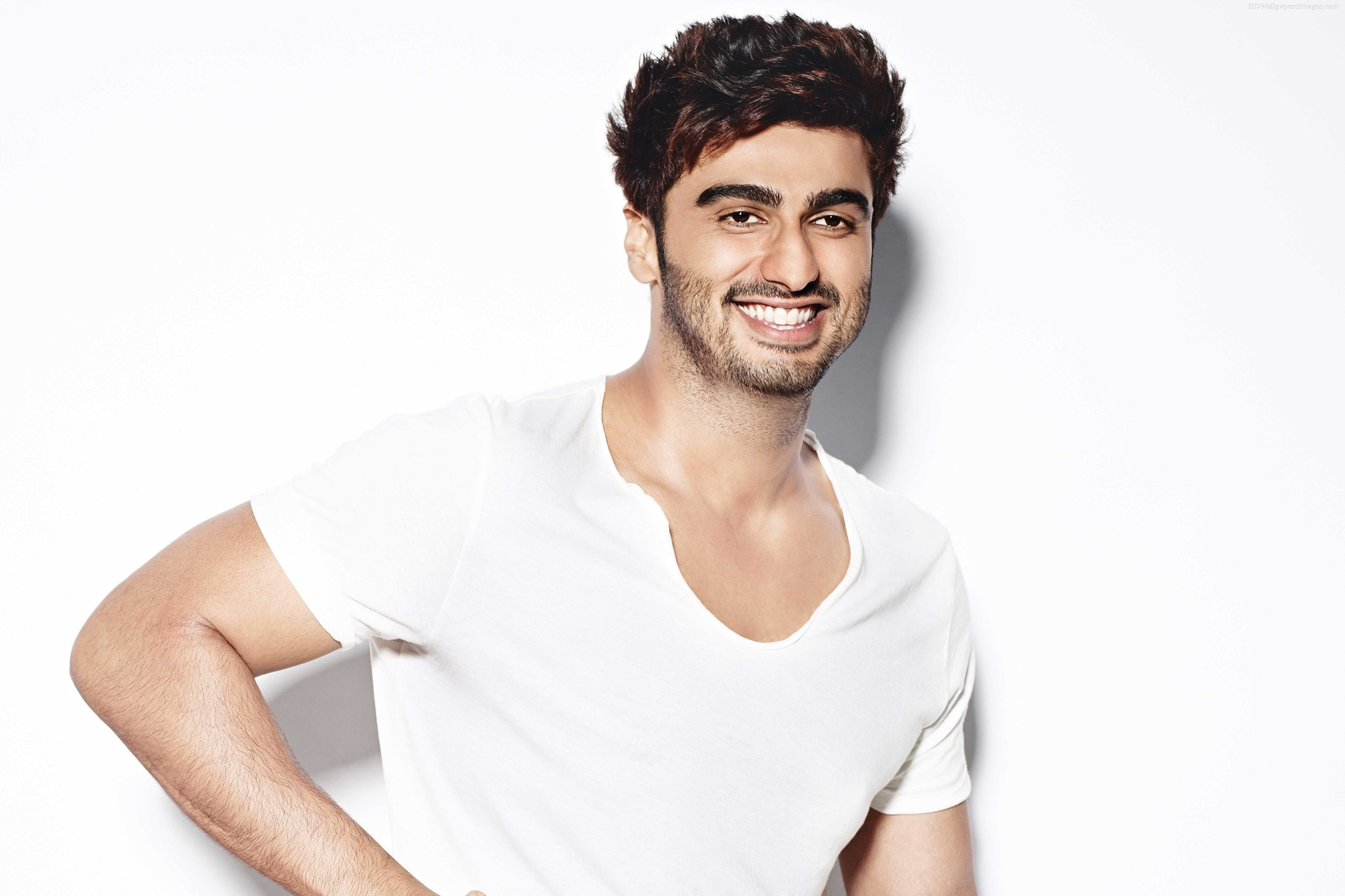 Arjun-Kapoor-HD-Wallpapers-White-Shirt-with-cute-smile