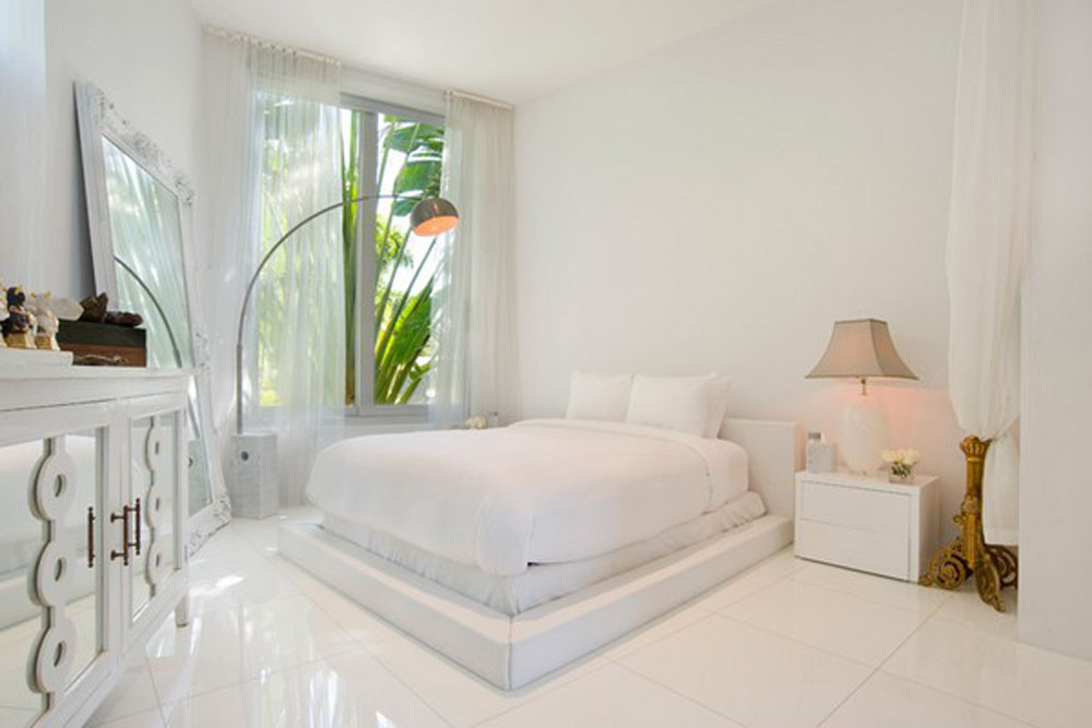 Simple-Minimalist-Bedroom-Design-With-White-Ceramic-Listed-In-Elegant-And-Charming-White-Bedroom-Color-Scheme-Ideas