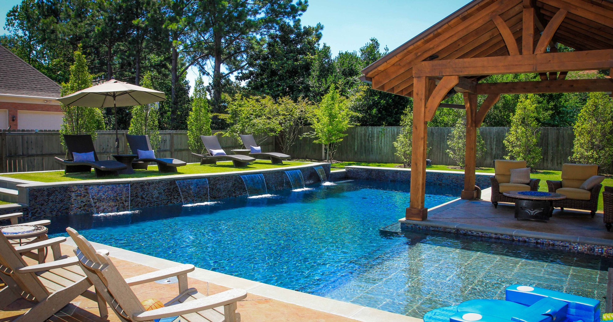 Small-Backyard-Pool-Dimensions-Small-Backyard-Pool-Design