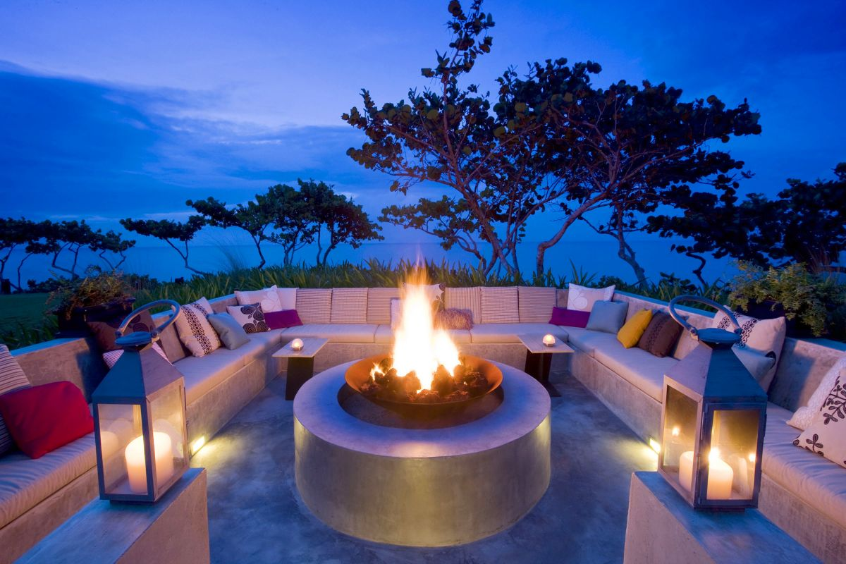 outside-sunken-sitting-area-with-fireplace-on-the-table-create-a-sunken-sitting-areas-in-your-modern-living-room