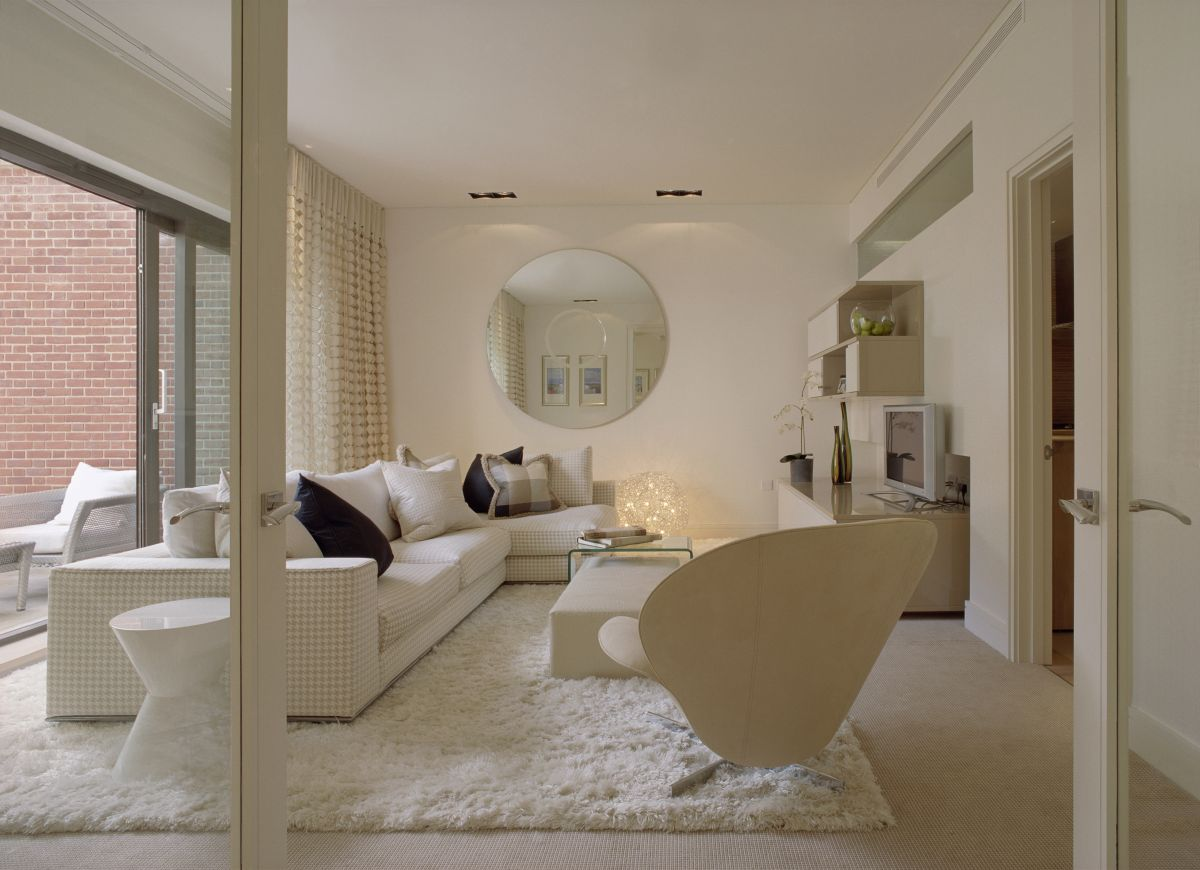white-sofas-rugs-for-living-room-decor-in-modern-luxury-dreams-house-design-by-SHH