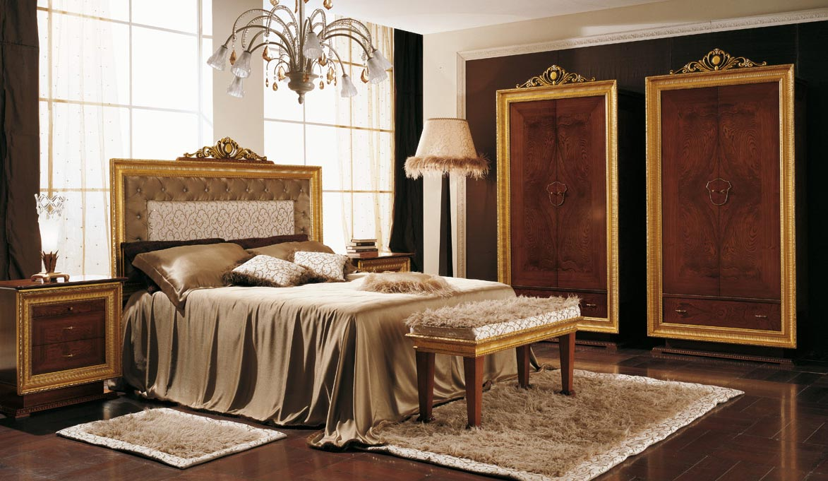 Amazing-And-Awesome-Traditional-Bedroom-Design-Ideas-With-Unique-Chandelier-Ornament-And-Brown-Blanket-Also-Small-Bedside-Table-And-Glass-Window-Design