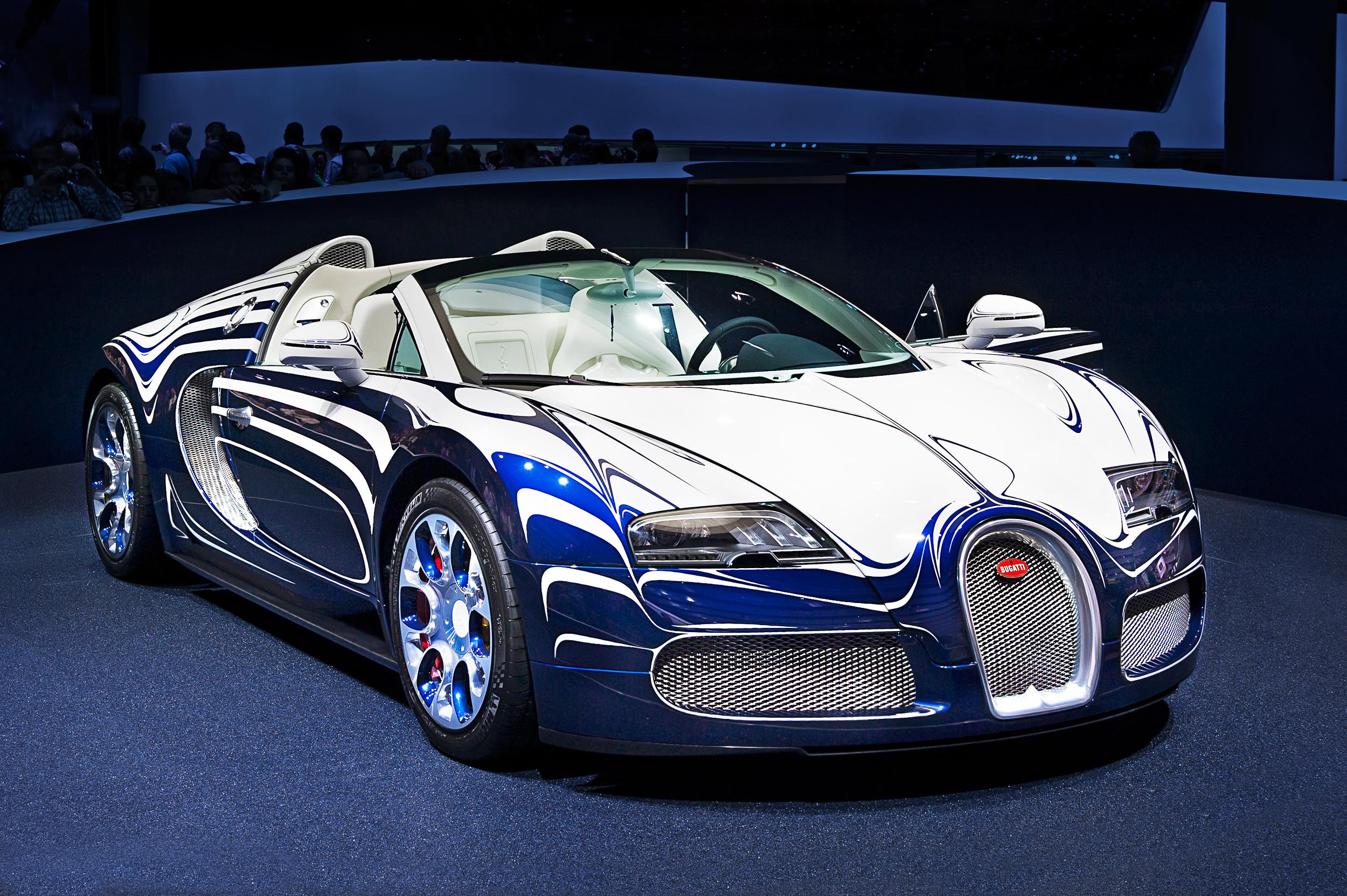 Bugatti_Veyron_IAA_2011