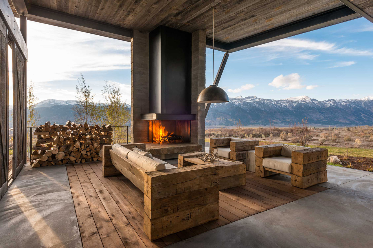 Rustic-outdoor-fireplace-by-Pearson-Design-Group-07