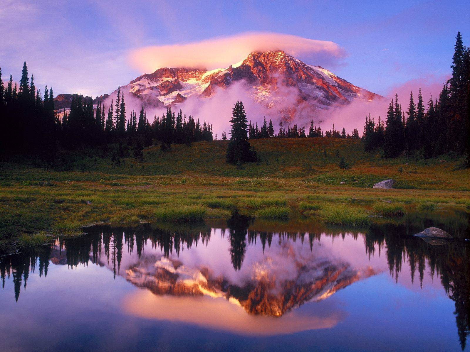 beautiful-mountain-reflection-desktop-quality-nature-scenery-wallpapers_for_desktop