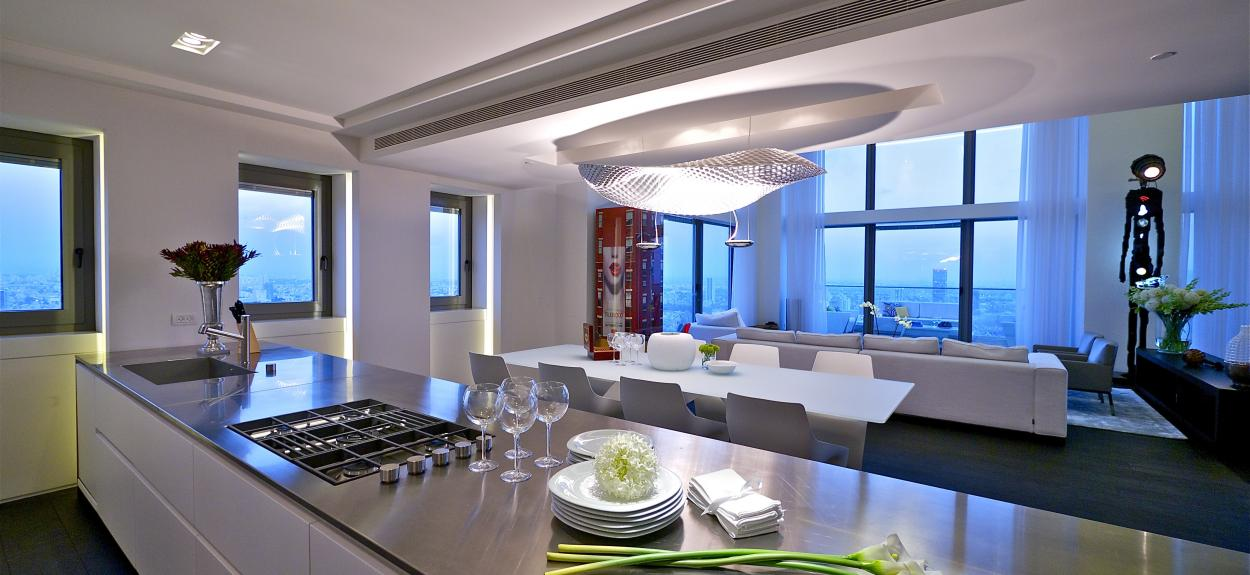 modern-open-plan-kitchen-dining-and-living-room-plus-bright-ceiling-lamp-and-modern-furniture-sets