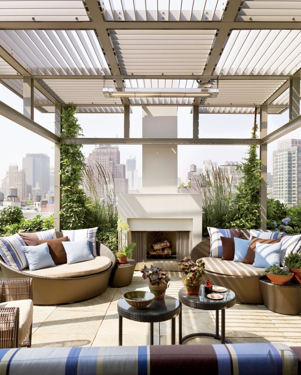 modern-outdoor-space-de-la-torre-design-studio-new-york-new-york-201308_1000-