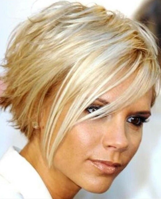 15-Chic-Short-Haircuts-Blonde-Short-Straight-Hair