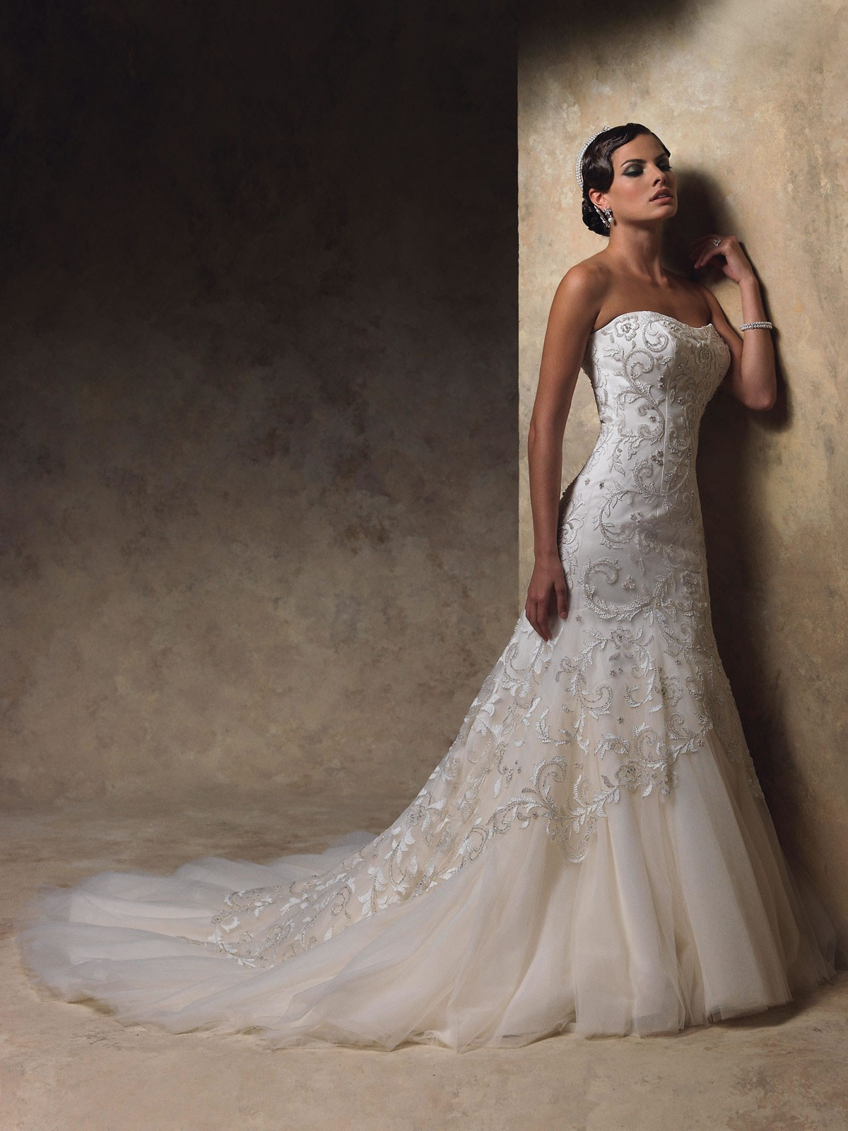 Satin Softly Curved Neckline Hand-Embroidery And Hand-beading Bodice Mermaid Wedding Dress