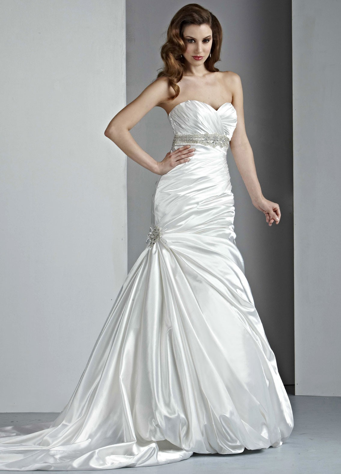 sweetheart strapless mermaid wedding dresses with rouched bodice