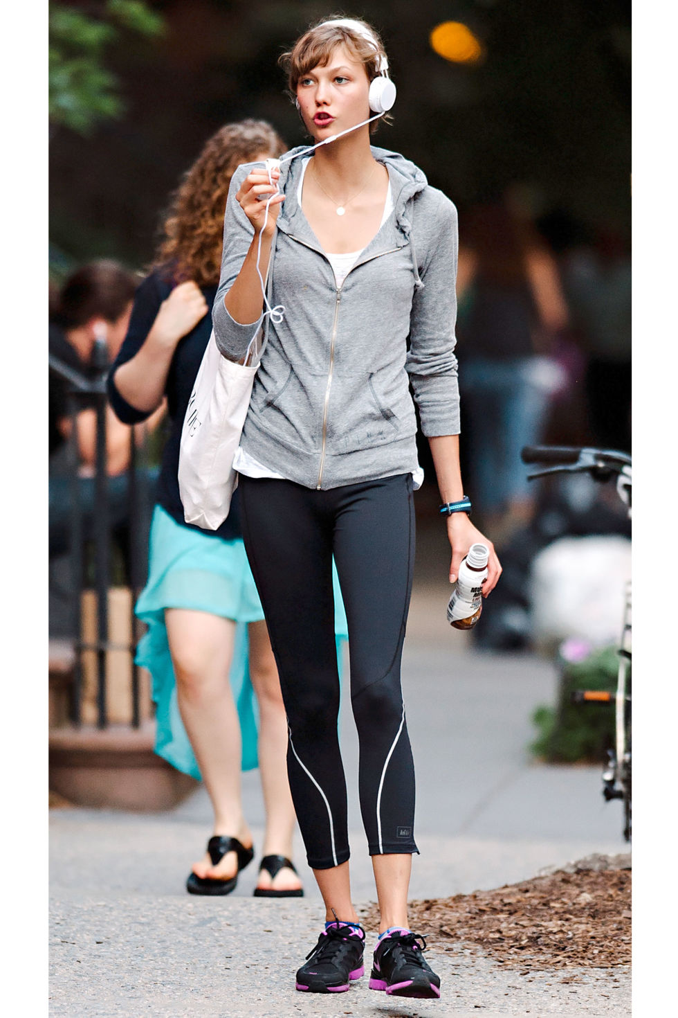 workout-karlie-kloss-outfit